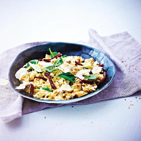 Smuk Tupperware -Risotto med svampe, soltørrede tomater og baby spinatblade IF-55